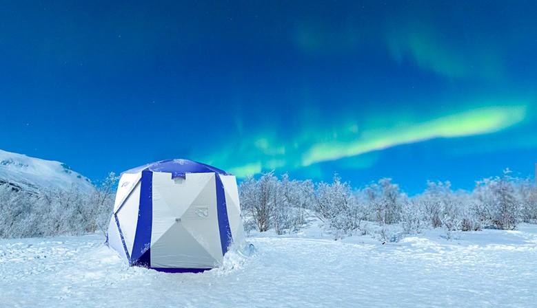 Палатка Polar Bird и северное сияние